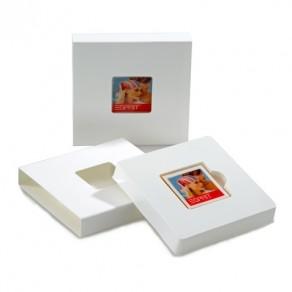 1 M-logolini in Kartonage mit Sichtfenster