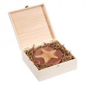 Abgeflämmte M-Weihnachtstorte in Holzbox