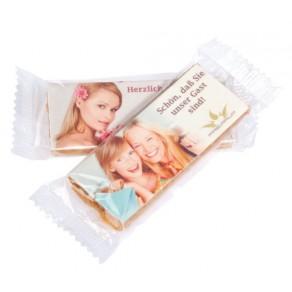 logolini-Riegel in Klarsichtfolie verpackt